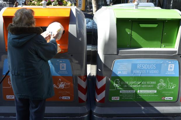 Ejemplos de Reciclar